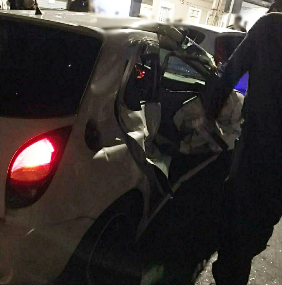 Três ficam feridos em colisão entre trem e carro em Pinheiral