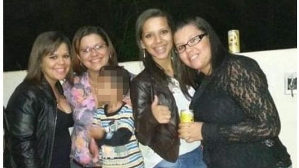 Talytta (na ponta esquerda), Lígia, Samylla e Dalylla: mãe e filhas viviam em Alto Araguaia, no interior de Mato Grosso — Foto: Arquivo pessoal