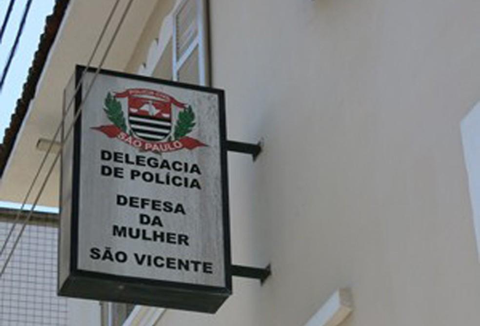 Caso foi registrado na Delegacia de Defesa da Mulher de São Vicente, SP — Foto: Anna Gabriela Ribeiro/G1