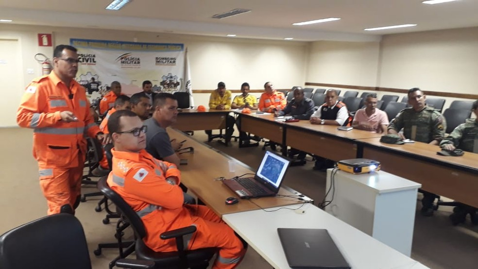 Autoridades em reunião na Risp, nesta quarta-feira (18) — Foto: Eduardo Gomes / Arquivo Pessoal