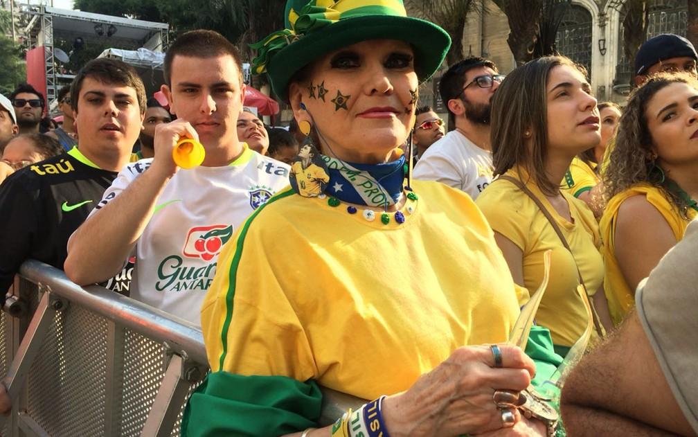 Ana Maria Rodrigues diz que já foi a quatro Copas do Mundo pessoalmente (Foto: Bárbara Muniz Vieira/G1)