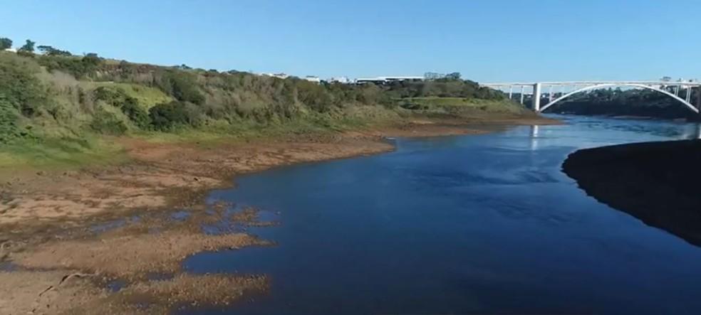 Estiagem impacta na paisagem do Rio Paraná — Foto: Giovani Zanardi/RPC
