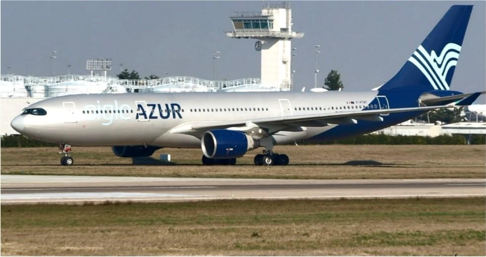 Aeronave é um Airbus A332 da companhia francesa Aigle Azur — Foto: Reprodução/EPTV