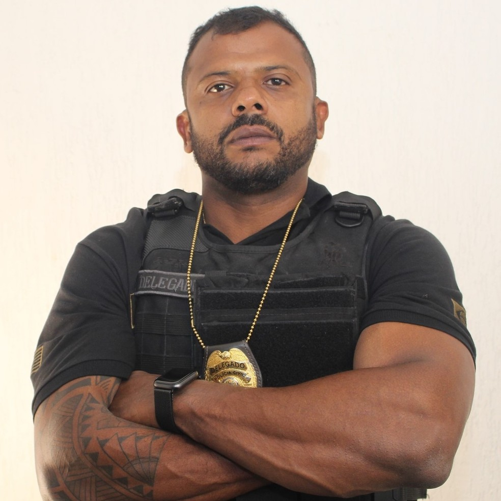 Delegado que virou 'celebridade' na web alega ter sido afastado das ruas  após dizer publicamente que há 'ratos' na polícia | Santos e Região | G1