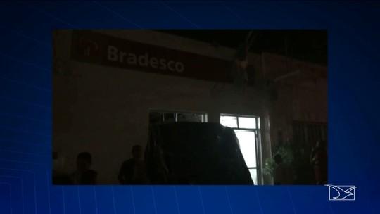 Polícia procura pelos bandidos que explodiram agência bancária no Maranhão