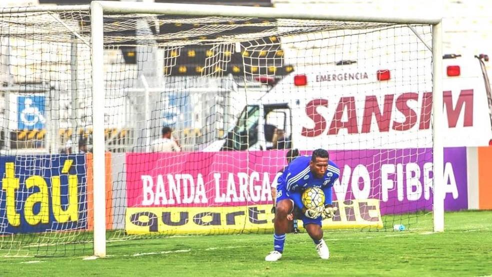 O goleiro Aranha, que atualmente joga na Ponte Preta, comentou o tema da prova de redação da segunda aplicação do Enem 2016 (Foto: Divulgação/PontePress/Fábio Leoni)
