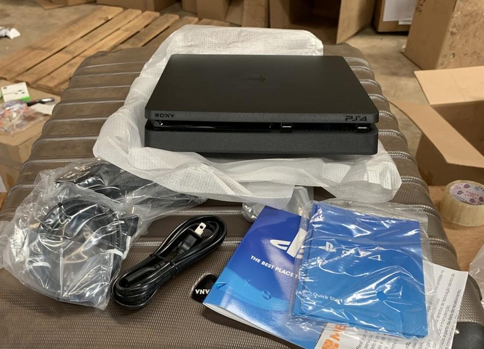 Playstation 4 é leiloado pelo lance mínimo de R$ 200 — Foto: Divulgação/Receita Federal