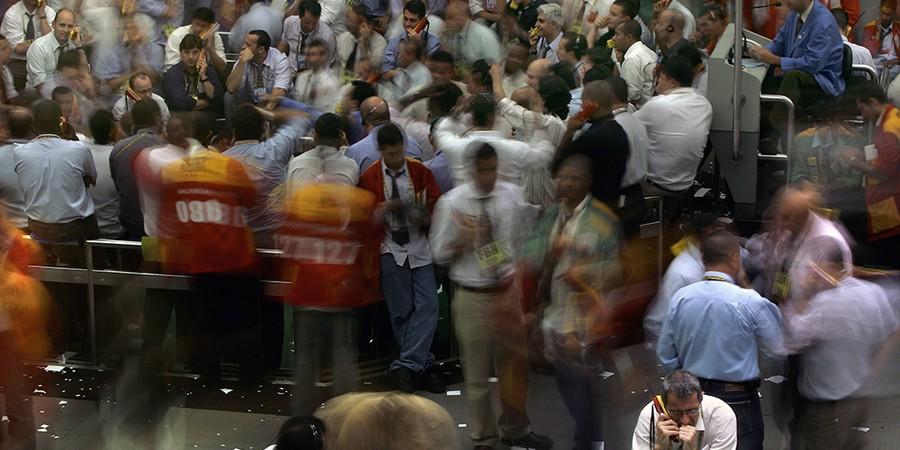 O fim do pregão viva voz em 2009 aumentou os calotes entre apostadores. O olho no olho garantia por Rennan Setti pagamento das apostas (Foto: MAURICIO LIMA/AFP)