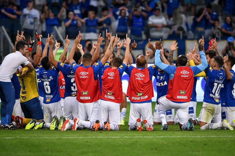 Cruzeiro festeja classificação na Copa do Brasil, contra o Santos (Foto: Agência i7/ Mineirão)