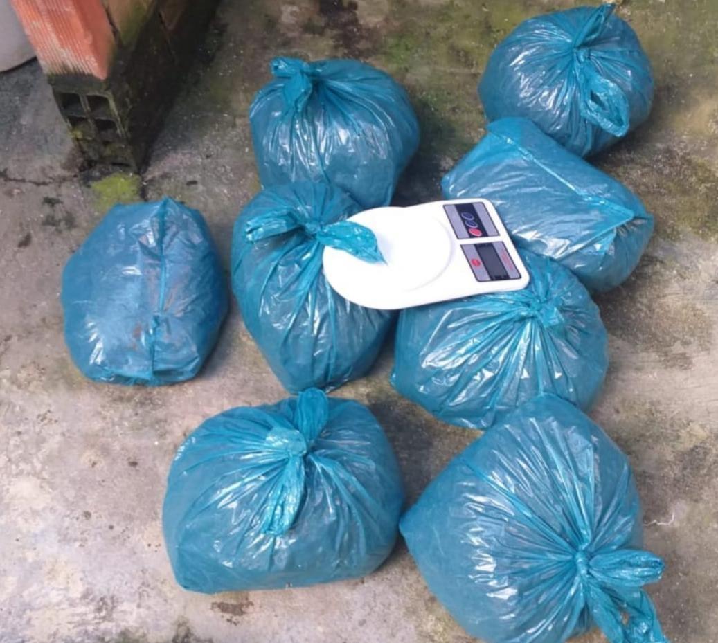 Homem é preso com 9 kg de maconha em Caruaru