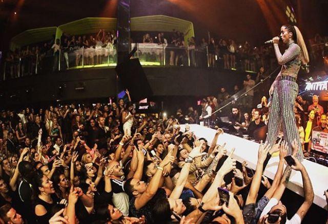 Anitta faz show em Miami (Foto: Reprodução/Instagram)