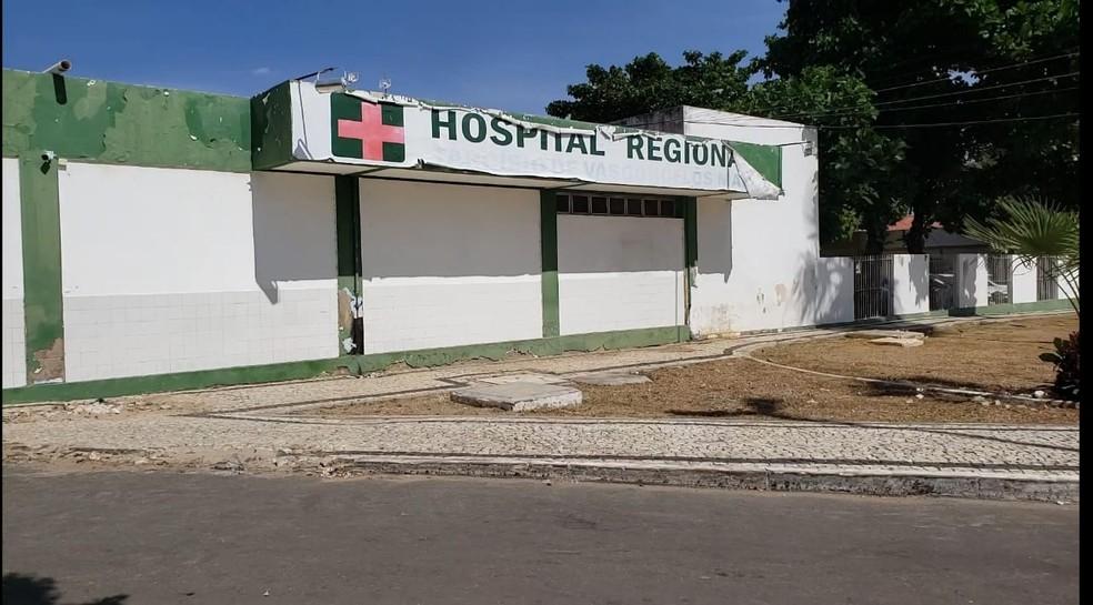 Suspeito foi atingido por um tiro e foi levado ao HRTM, mas não corre risco de morte. — Foto: Isaiana Santos / Intertv Costa Branca