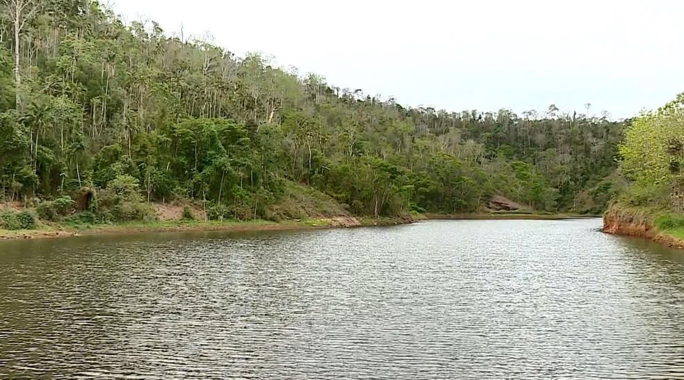 Lagoa onde água é captada está com 25% da capacidade normal, em Marilândia, ES  — Foto: Reprodução/ TV Gazeta