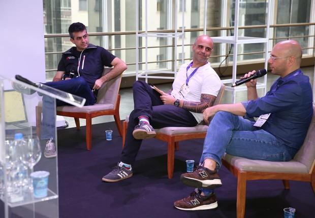 Rodrigo Baer, sócio da Redpoint eVentures, Thomaz Gomes, jornalista da Época NEGÓCIOS e Daniel Chalfon, sócio da Astella Investimentos (Foto: Alexandre DiPaula)