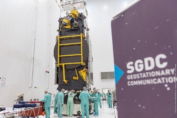 O Satélite Geoestacionário Brasileiro de Defesa e Comunicações Estratégicas foi lançado em maio de 2017   (Foto: Divulgação/Arianespace)