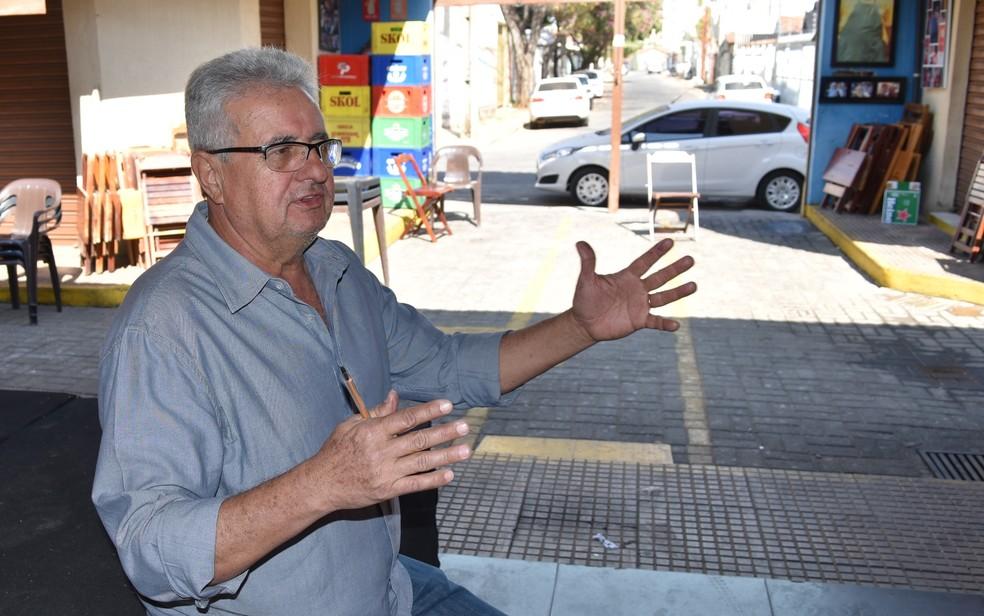 Prado tem um bar no Mercado da 74, localizado no  fim da Rua 57 (Foto: Paula Resende/ G1)