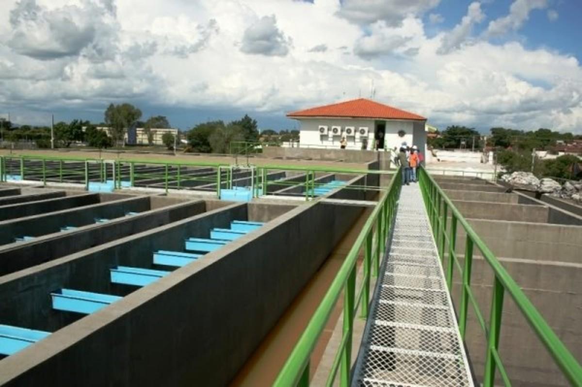 Raios causam danos em estações e 80 bairros ficam sem água em Cuiabá