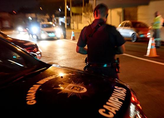 Guarda de Campinas dispersa 442 pessoas e fecha 4 comércios em operação contra aglomerações