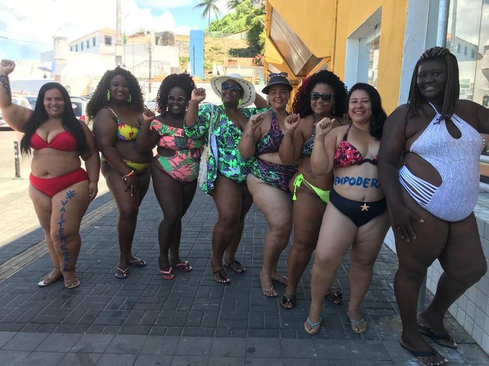 Mais de 30 mulheres participaram do ato 'Vai Ter Gorda' em Salvador — Foto: Paulo Arcanjo