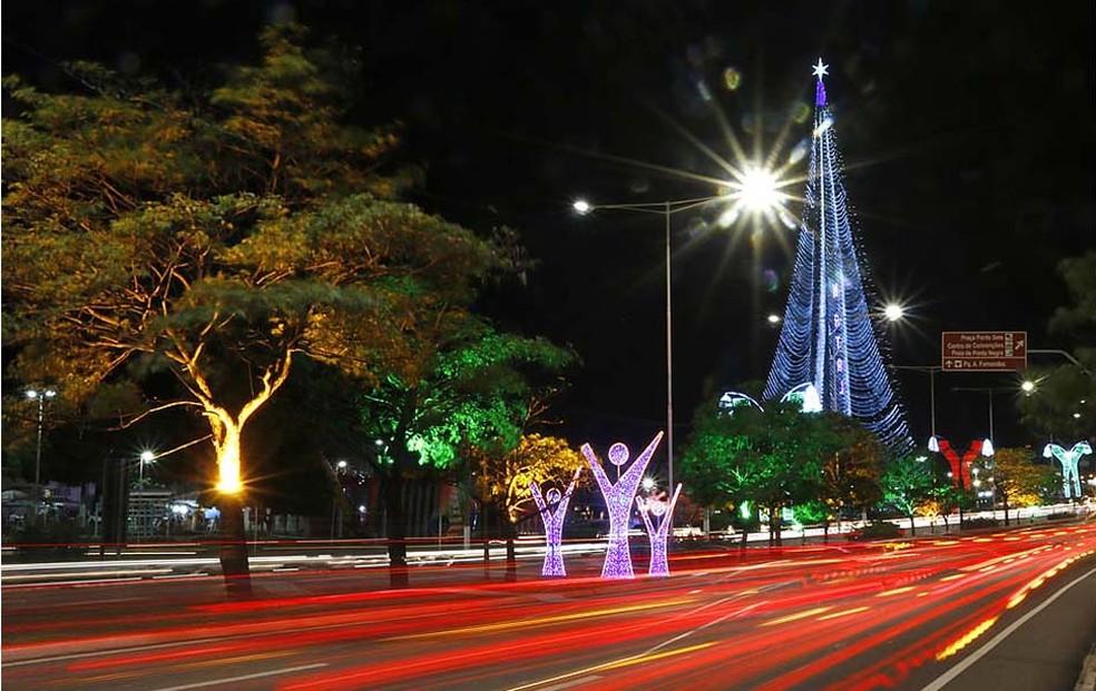 Iluminação natalina da capital potiguar também teria sido superfaturada, segundo as investigações  (Foto: Canindé Soares)