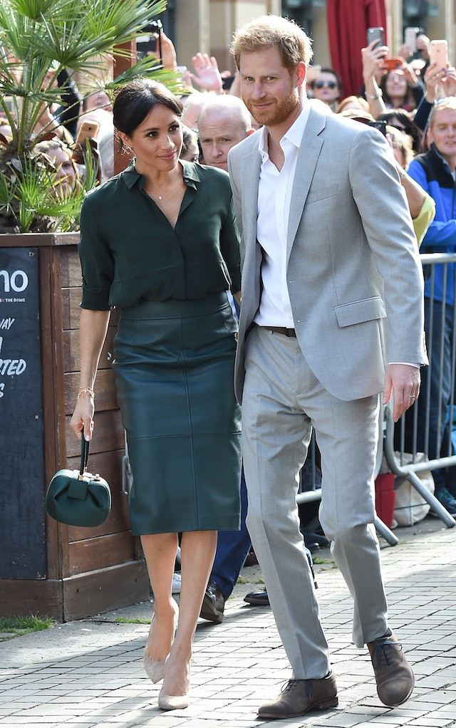 Meghan Markle usa a bolsa Nina, de Gabriela Hearst (Foto: Getty Images)