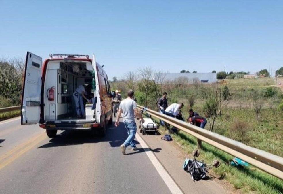 Casal e bebê são atropelados em Passo Fundo — Foto: Bruno Reinehr/Rádio Planalto News