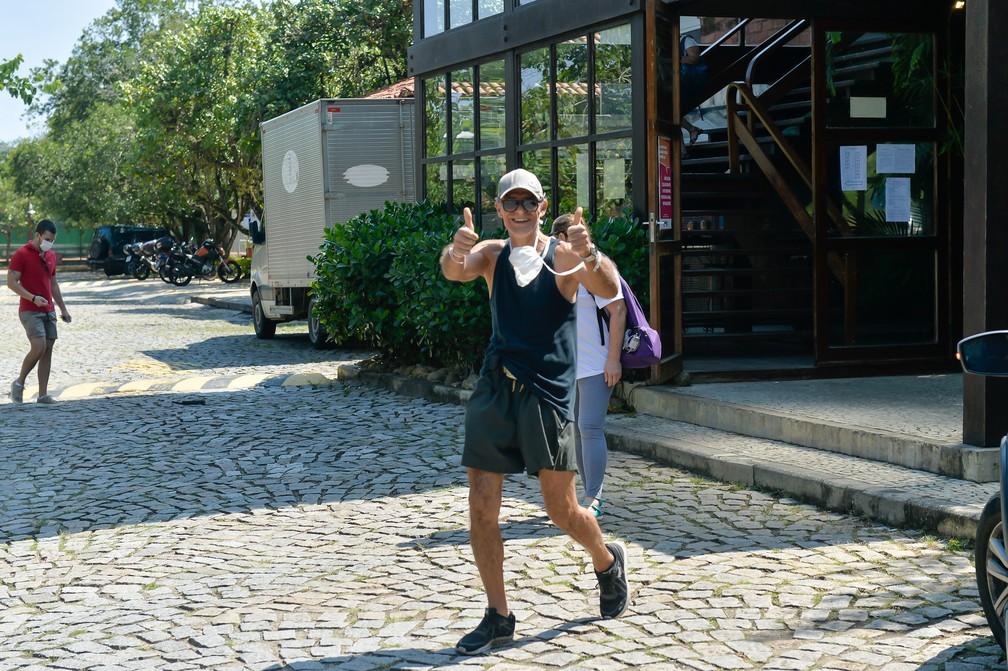 Mário Gomes vota no Rio de Janeiro, neste domingo (15) — Foto: Marcelo Sá Barretto/AgNews