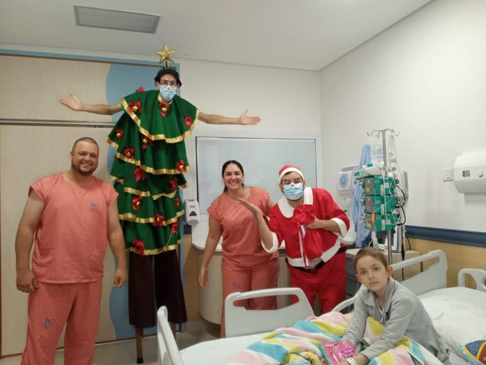 Alice passou o Natal no Hospital de Amor, em Barretos — Foto: Arquivo pessoal/Jéssica Lopes Sartorelli
