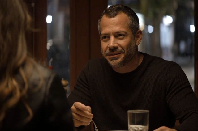Malvino Salvador é Agno em 'A dona do pedaço' (Foto: Reprodução)