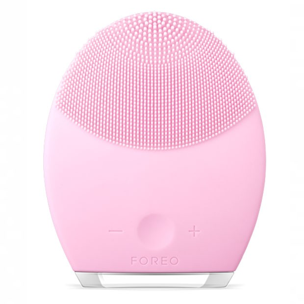 Facial Spa Massager For Cleansing & Anti-Wrinkle Results, Foreo, R$ 749,25 (Foto: Divulgação)