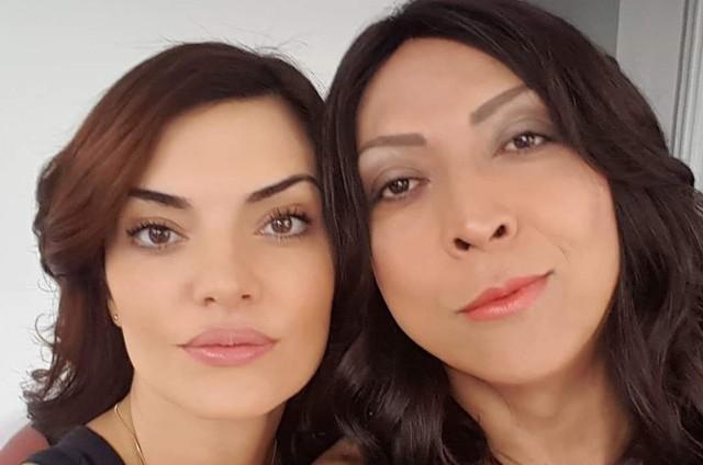 """Mayana Neiva e Renta Peron nos bastidores de """"Rotas do ódio"""" (Foto: Arquivo pessoal)"""