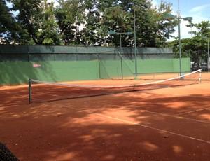 Sócio do Flamengo morre aos 86 anos jogando tênis em quadra do clube