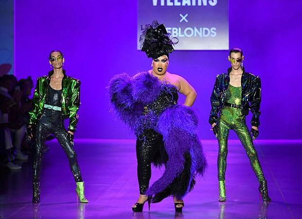 Coleção Disney Villains X The Blonds nas passarelas da NYFW (Foto: Getty Images/ Divulgação)
