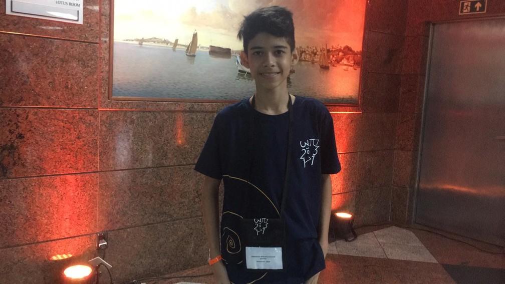 Emmanoel Wallace Gouveia, de 11 anos, foi premiado na Olimpíada de Matemática — Foto: Alan Tiago Alves/G1