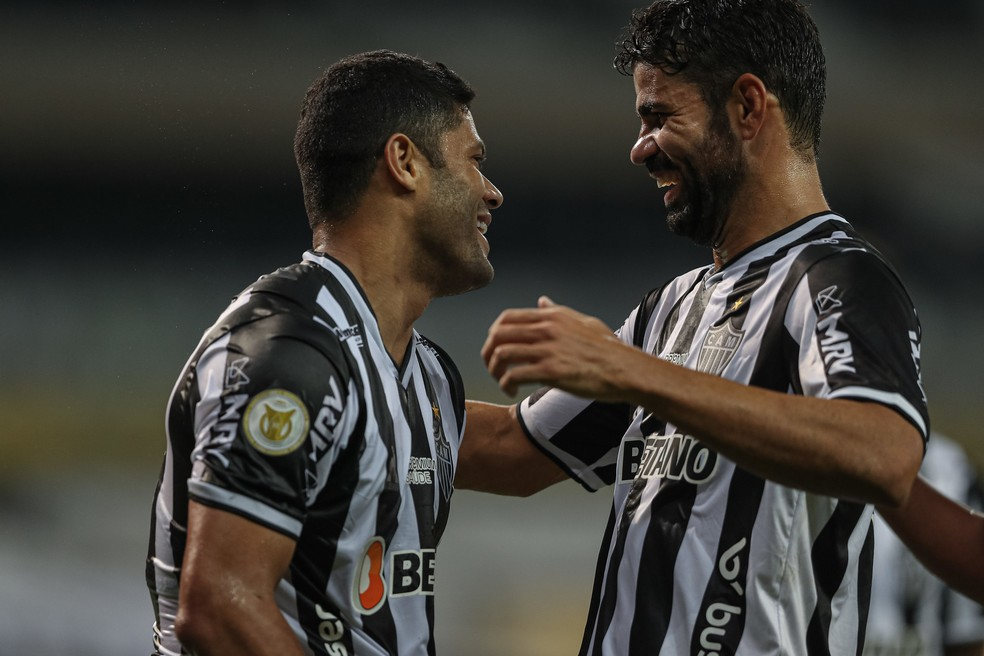 Hulk e Diego Costa comandaram atuação do Atlético-MG no primeiro tempo diante do Sport — Foto: Pedro Souza