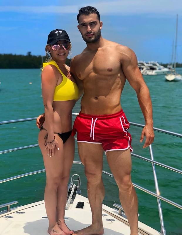 Britney Spears e Sam Asghari (Foto: Reprodução/Instagram)