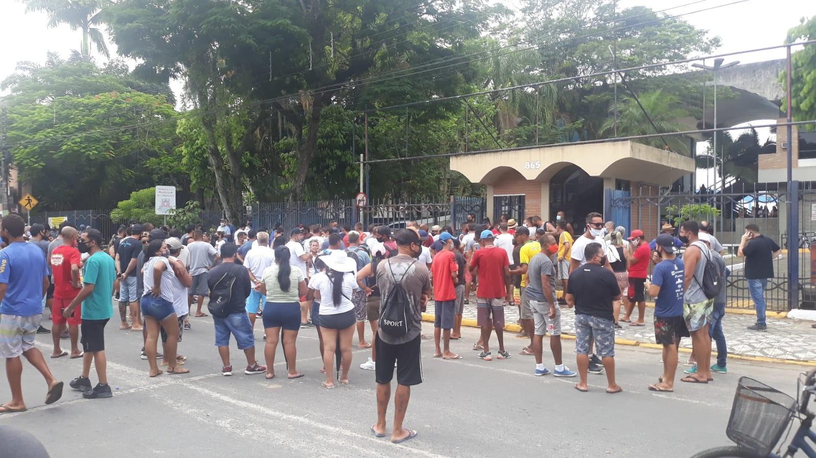 Comerciantes de Ubatuba fazem novo protesto contra medidas da fase vermelha na cidade