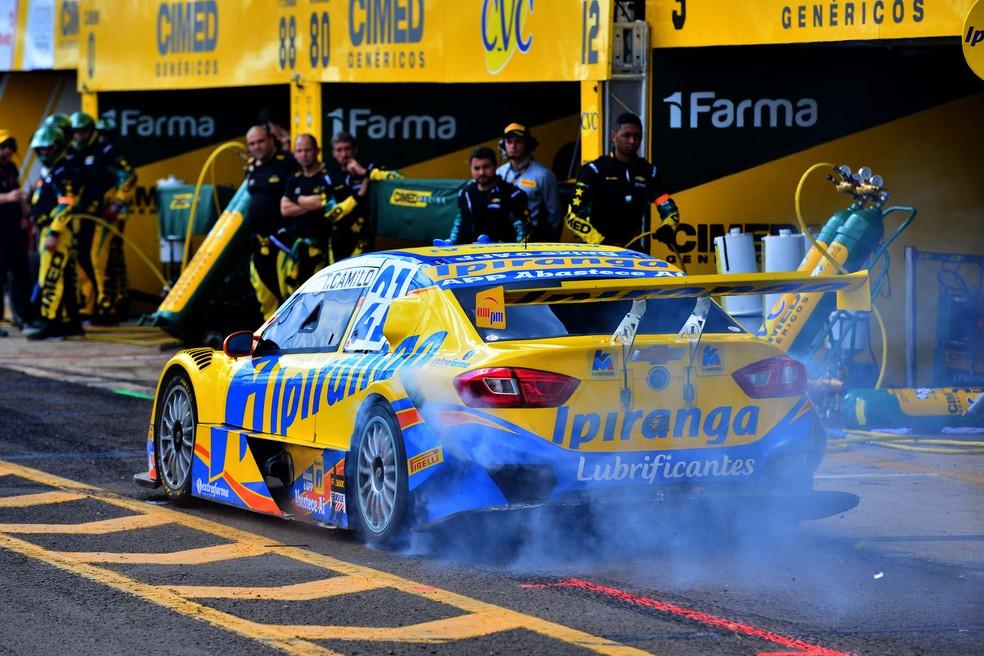 Thiago camilo durante sua parada nos boxes na etapa de Campo Grande da Stock Car (Foto: Fernanda Freixosa / Stock Car)
