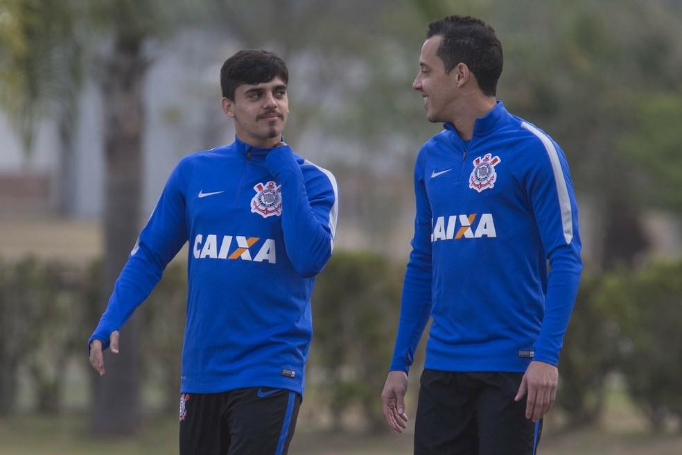 963c33f368 ... Fagner e Rodriguinho  convocados para a seleção brasileira — Foto   Daniel Augusto Jr.