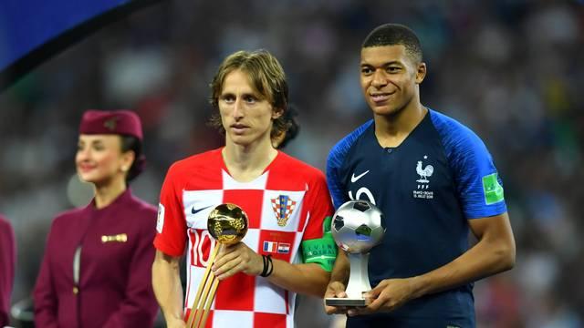 Modric e Mbappé premiados