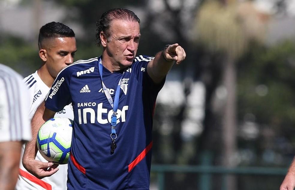 Cuca comanda São Paulo em treino no CT da Barra Funda — Foto: Rubens Chiri/saopaulofc.net