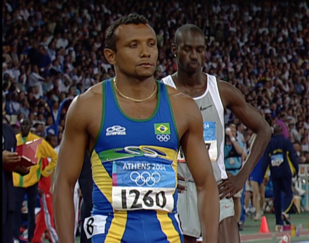 Cláudio em eliminatória dos 200m rasos em Atenas 2004 — Foto: Reprodução