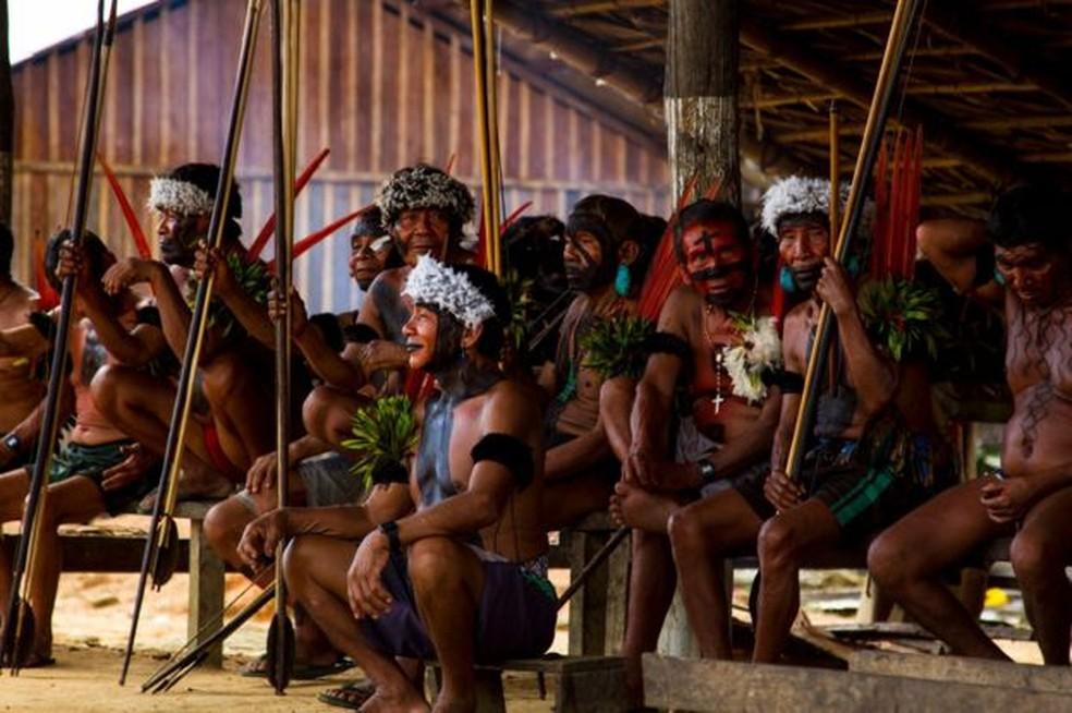 Representantes do povo indígena yanomami, cujo distrito sanitário registrou o maior número de mortes de bebês em 2019 — Foto: BBC