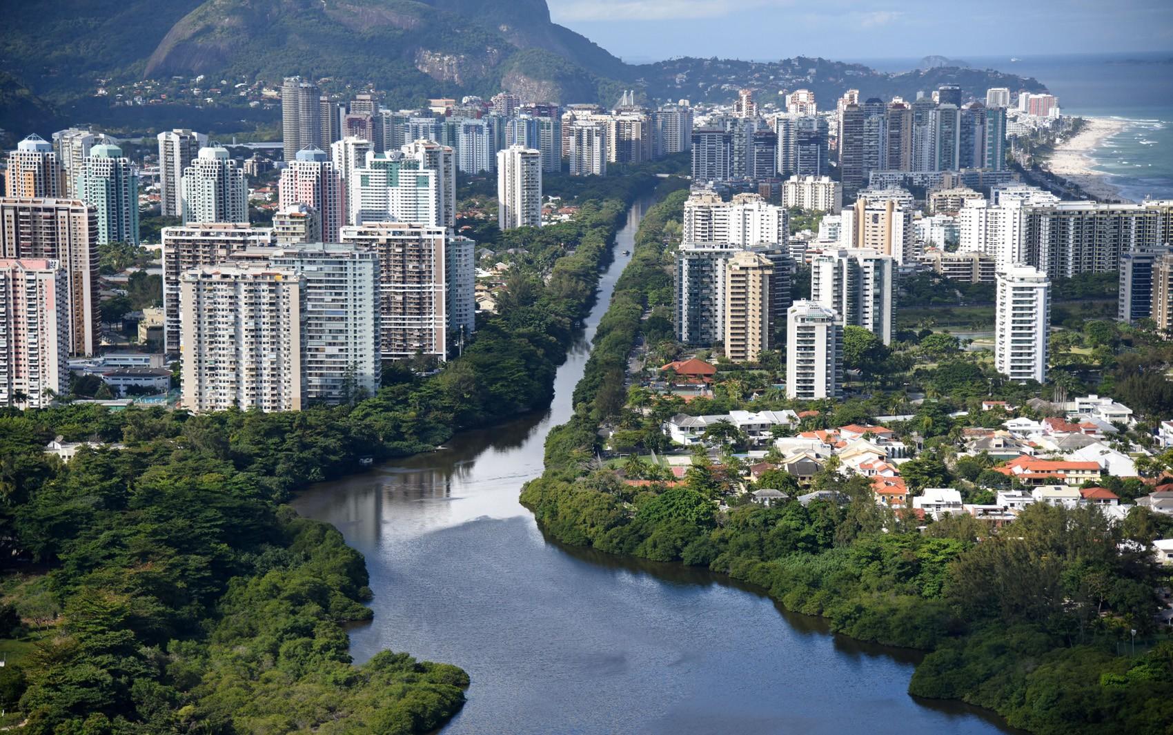 Da invasão olímpica a quartos vazios: crise e insegurança afastam turistas e levam hotéis a bloqueio de andares