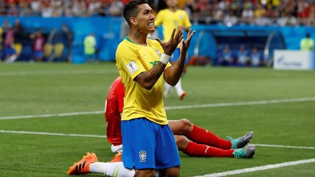 Firmino lamenta chance perdida em Brasil 1 x 1 Suíça