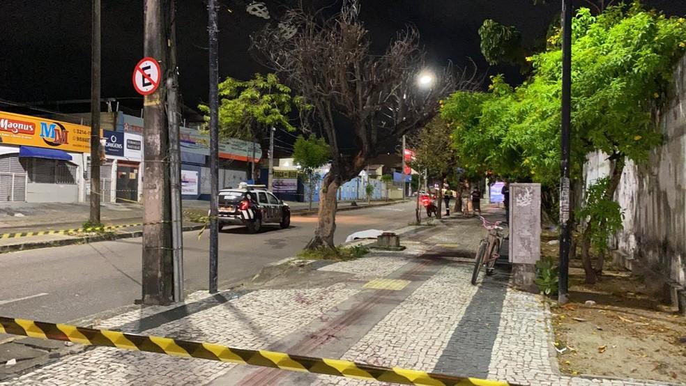 Morte ocorre na calçada da Igreja Redonda — Foto: Paulo Sadat/ SVM