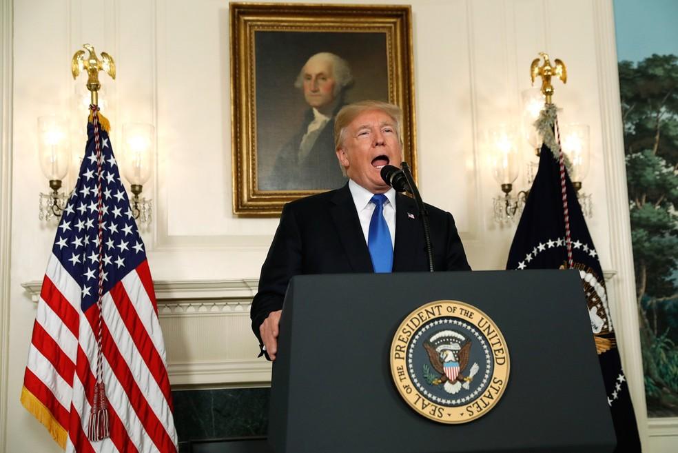 Trump quer deixar acordo nuclear com Irã (Foto: Kevin Lamarque/Reuters)