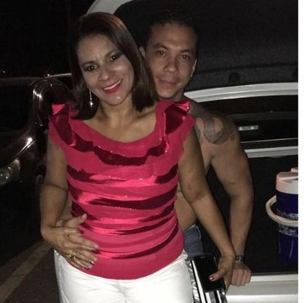 Durce Mendes est� em choque com a morte do filho Manoel Correia dos Santos  (Foto: Arquivo pessoal)