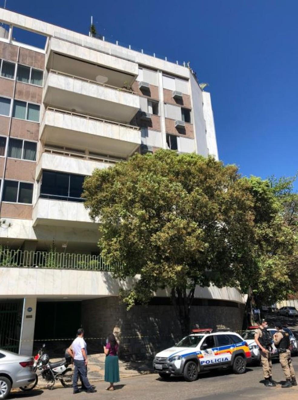 Fachada do prédio onde a criança caiu, em Belo Horizonte — Foto: Danilo Girundi/TV Globo