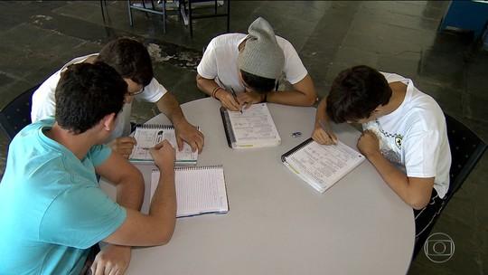 Encceja abre inscrições para tirar diploma de ensino fundamental e médio